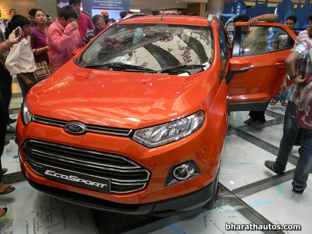 ford india introduced sync with applink for ecosport titanium in india. Black Bedroom Furniture Sets. Home Design Ideas