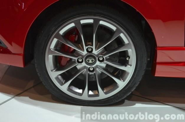 tata-bolt-sport-120bhp-front-india-17-inch-alloy-wheels