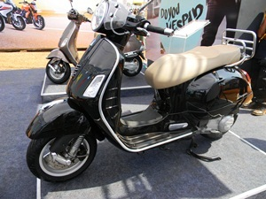vespa-gts-300-vespa-gts-150-india-bike-week