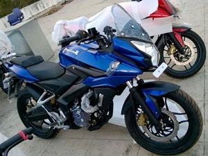 bajaj-pulsar-200as-spied-ahead-of-launch-today