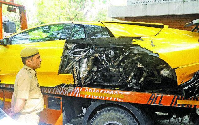 Lamborghini Murcielago Sv Crashed In New Delhi India Bharathautos