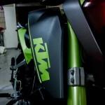 modified-ktm-duke-200-green-shade-knight-auto-customizer-016