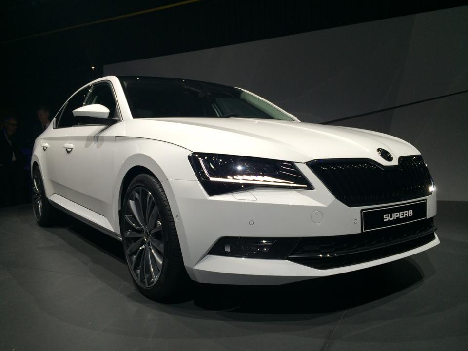 2016 skoda superb breaks cover to launch in india in 2016. Black Bedroom Furniture Sets. Home Design Ideas