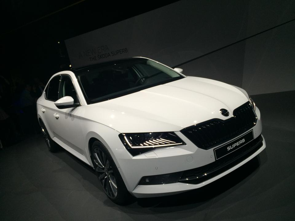 New Skoda Superb 2016 India 002