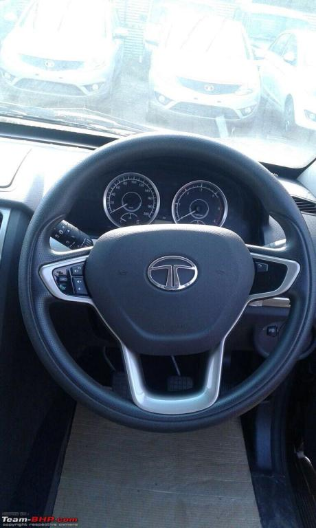 new-tata-safari-storme-2015-facelift-steering-wheel