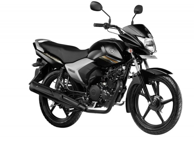 new-yamaha-saluto-125cc-black-motorcycle-front