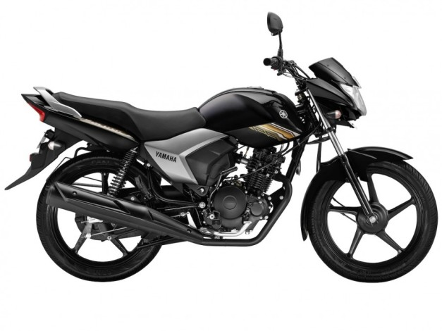 new-yamaha-saluto-125cc-black-motorcycle-side