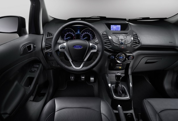 2015-ford-ecosport-facelift-dashboard-inside-interior