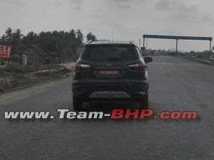 2015-ford-ecosport-facelift-spied-in-india