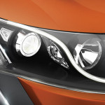 2015-mahindra-xuv500-facelift-S-shaped-LED-headlamps