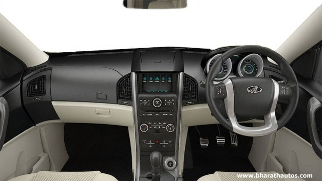 2015-mahindra-xuv500-facelift-dashboard