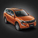 2015-mahindra-xuv500-facelift-front-three-quarter