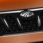 2015-mahindra-xuv500-facelift-grille