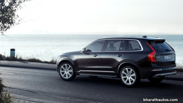 2015-volvo-xc90-suv-india-rear