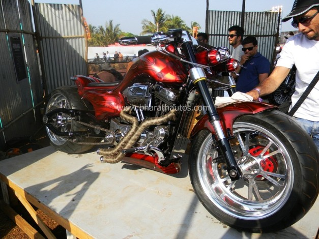 rh-customs-da-bang-2015-india-bike-week-winner