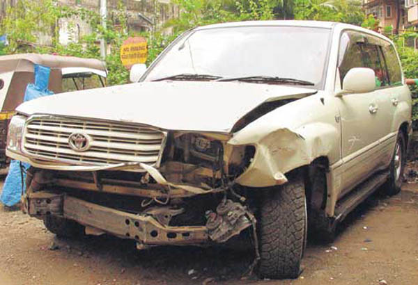 salman-khan-toyota-land-cruiser-2002-hit-and-run-case-car