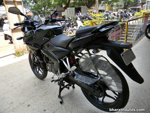 bajaj-pulsar-as150-rear