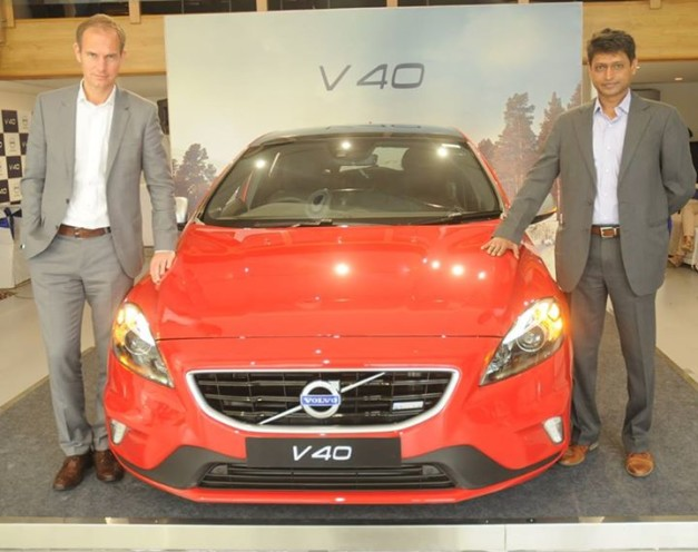 new-2015-volvo-v40-launched-in-india-02