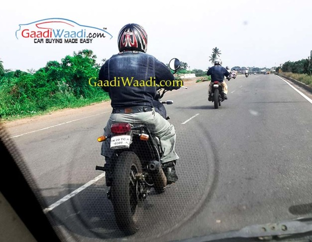 royal-enfield-himalayan-production-model-rear-spied