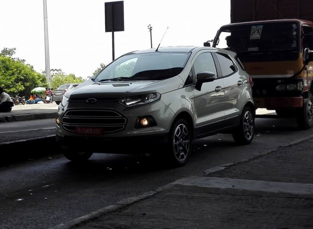 2016-ford-ecosport-facelift-front-three-quarter