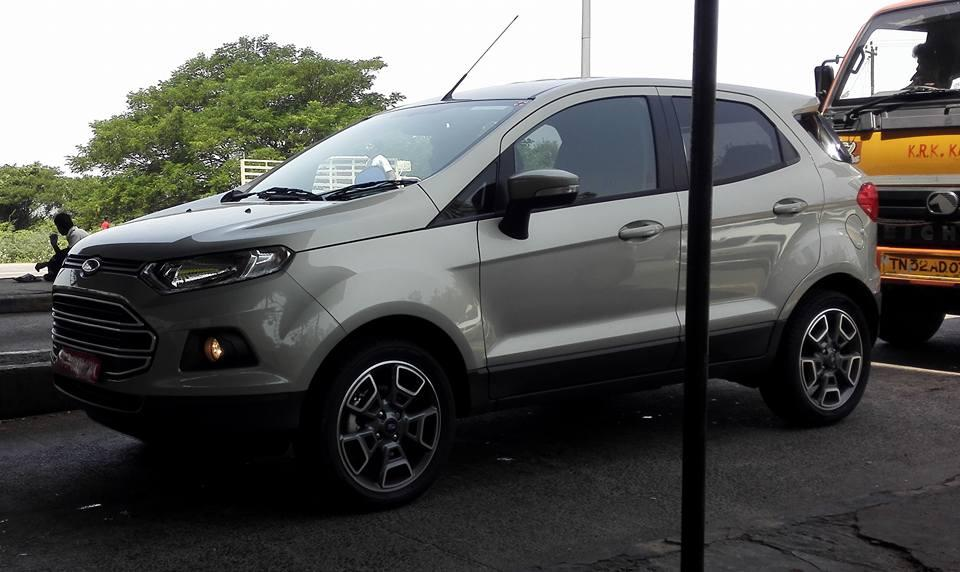 2016 ford ecosport facelift spotted undisguised in india. Black Bedroom Furniture Sets. Home Design Ideas