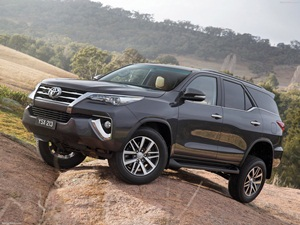 2016-toyota-fortuner-india