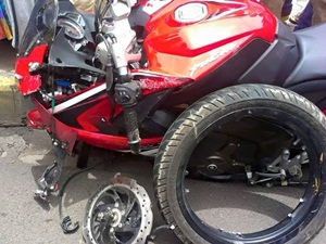 bajaj-pulsar-rs200-alloy-wheel-breakage-official-statement