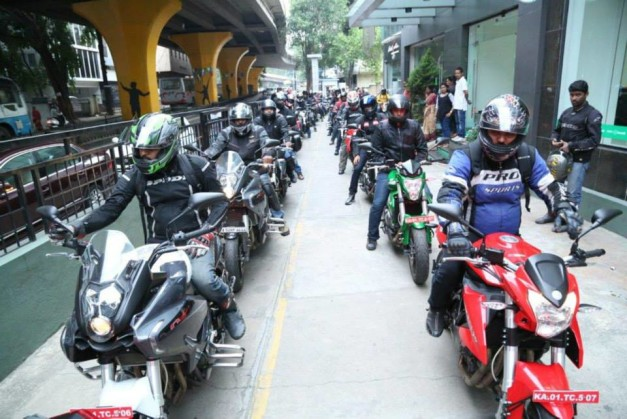 dsk-benelli-sold-100-motorcycles-in-90-days-celebratory-ride-003