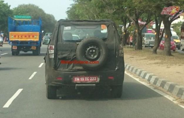 mahindra-supro-new-compact-suv-u301-rear