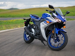 yamaha-yzf-r3-india-launch-on-august-11
