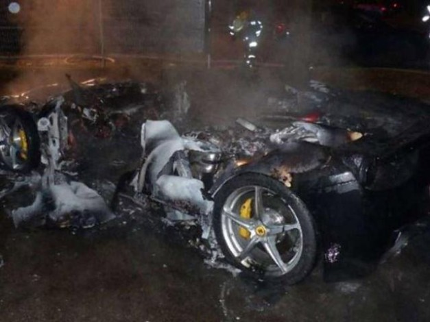 20-year-old-boy-burns-his-ferrari-458-italia-buy-new-ferrari-488-gtb