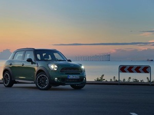 2015-mini-countryman-facelift-launched-in-india