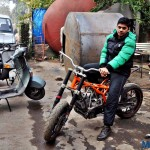 customised-modified-yamaha-rd-350-ktm-duke-390-flying-sikh (10)