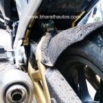 mahindra-mojo-exhaust-pipe