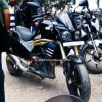 mahindra-mojo-front