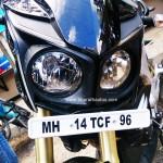 mahindra-mojo-head-lights-drls