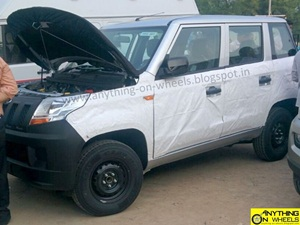 mahindra-tuv300-spied-uncovered
