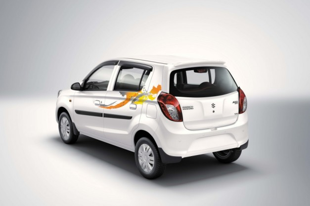 maruti-alto-800-onam-edition-rear-three-quarter-badge