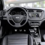 hyundai-i20-active-frankfurt-motor-show-dashboard