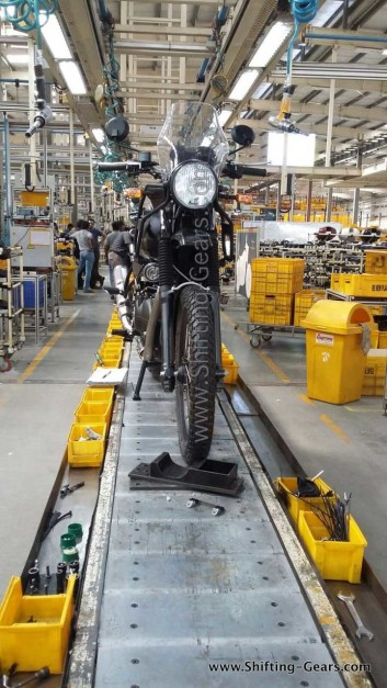 royal-enfield-himalayan-front-fascia-spied