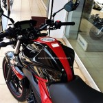 suzuki-gixxer-dual-tone-candy-antares-red-glass-sparkle-black-006