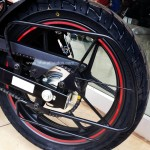 suzuki-gixxer-dual-tone-candy-antares-red-glass-sparkle-black-012