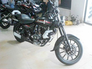 2016-bajaj-avenger-street-spied-details-pictures-launch