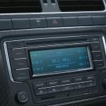 VW-volkswagen-polo-exquisite-edition-carbon-fiber-center-console