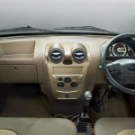 mahindra-supro-maxitruck-dashboard