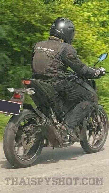 yamaha-mt-15-motorcycle-rear