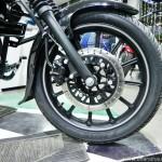 bajaj-avenger-street-220-alloy-wheels