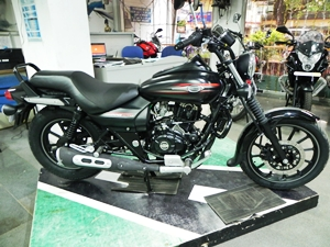 bajaj-avenger-street-220-detailed-review-picture-gallery