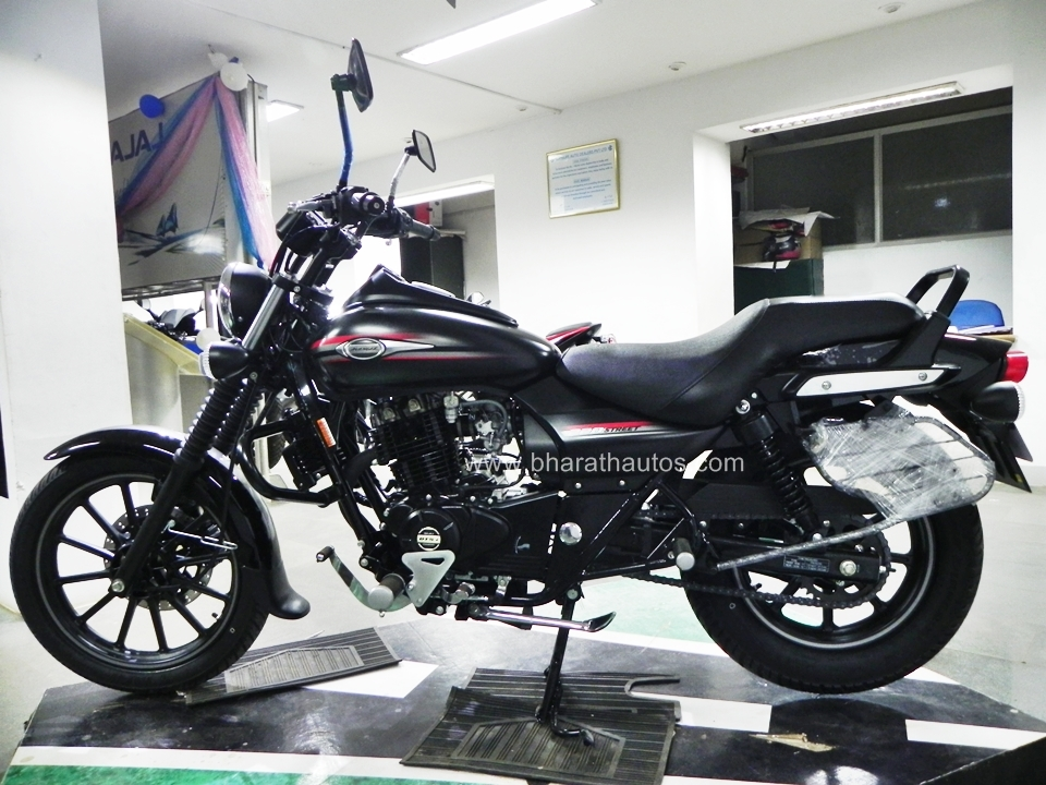 Bajaj Avenger Street 220 Detailed Write-up and Picture gallery