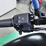 bajaj-avenger-street-220-switch-gear